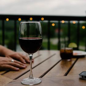 SU1Y2ENAWF wine